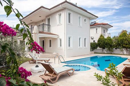 villa for rent 13.jpg