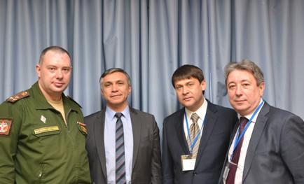 Заместитель директора по науке В.Д. Гладких выступил с докладом, посвященным современному состоянию