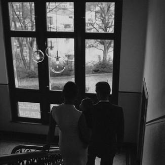 Schwarz-weiss Fotos in der alten Hafenwache