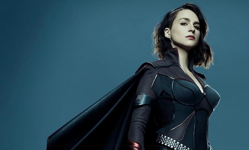 Na imagem está a atriz Aya Cash de The Boys que quer entrar no universo x-men interpretando a Jean Grey, Vampira ou a Fera