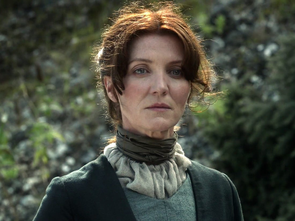 Na imagem mostra Catelyn Stark, personagem da série Game of Thrones pra mostrar as diferenças entre ela na série e no livro