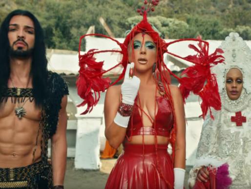 O último videoclipe da Lady Gaga tem um certo bruxo e estou jogando todas as minhas moedas pra ele