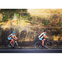 2 of our members going hard! Good work ladies 😄🚲👍 #stravaphoto  #cycling  #roadbike  #uphill  #cy