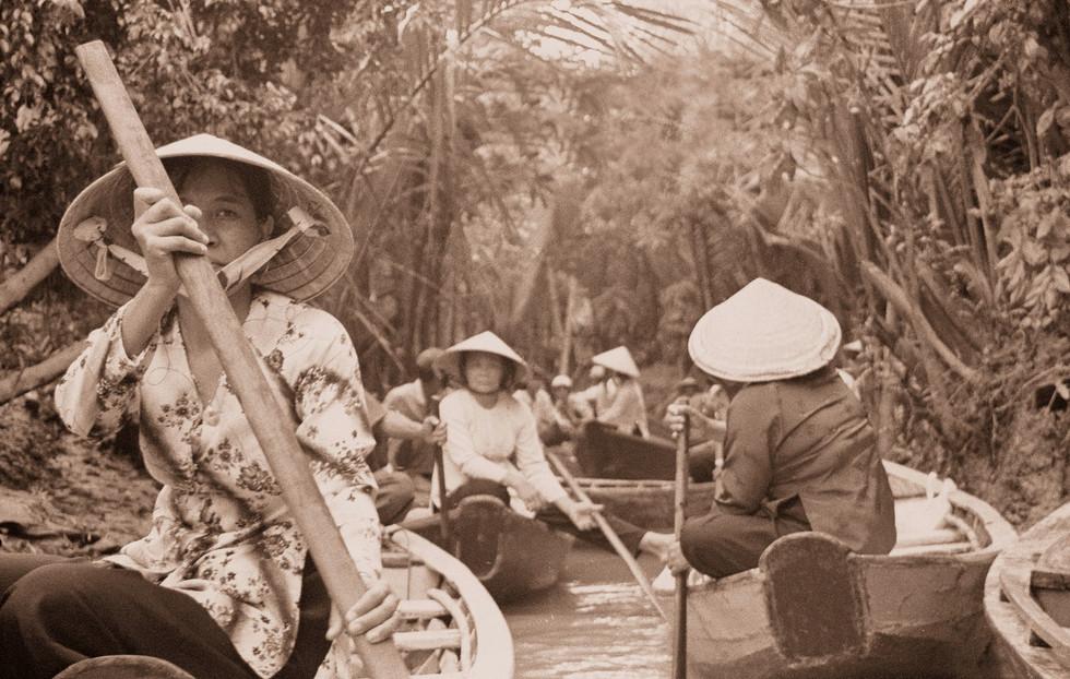 river transportation asia paddle canoe boat