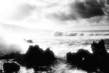 ocean waves rocky beach