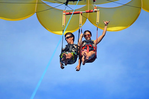 Parasailing - 1200 feet