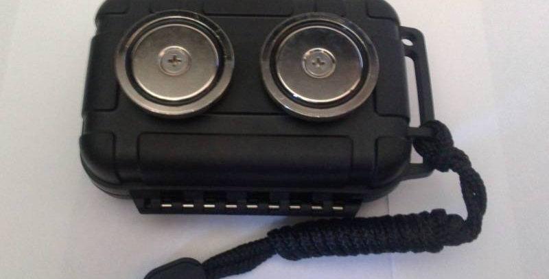 Small Magnetic Stash Box Secret Hidden Safe Car Container GPS