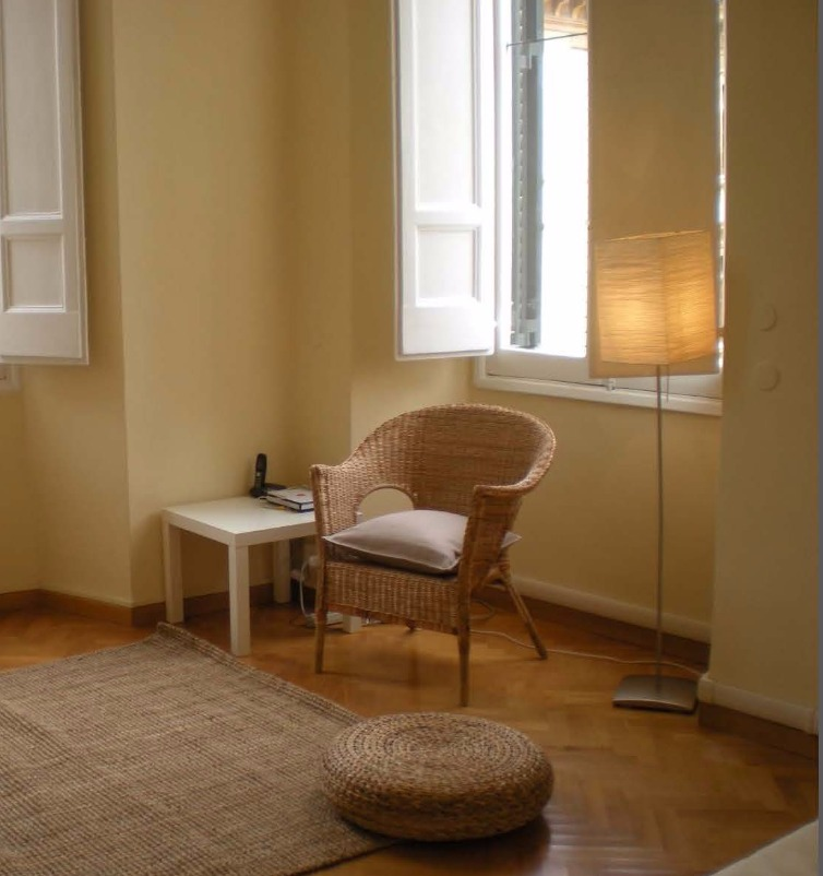 Studio #5- One double bedroom