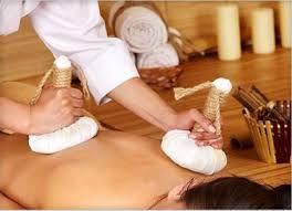 Herbal Bolus Massage- Pinda Sweda