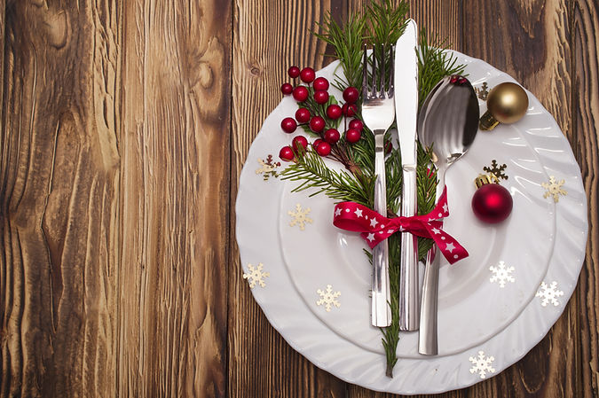 Christmas table place setting with chris