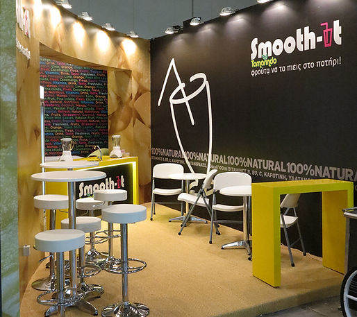 Smooth it exhibition kiosk for all natural smoothies