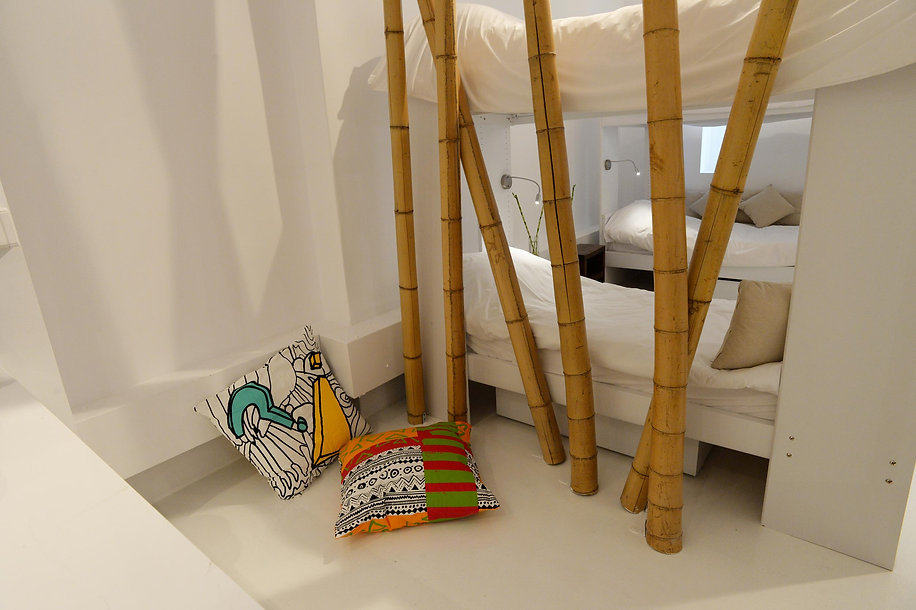 Conversion of an art gallery in Athens into an Airbnb with bunkbeds