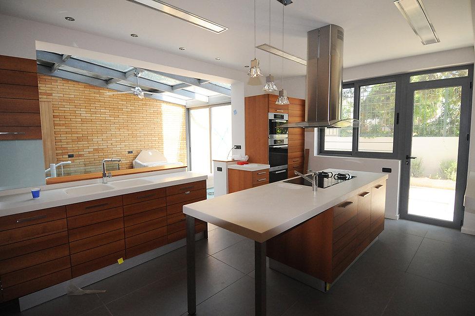 Ολοκληρωμενη κουζινα