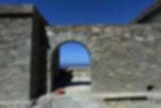 Λιθοκτιστη κατοικια υπο κατασκευη στην Ανδρο