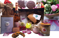 Mother's%20Day%20luxury%20hampers_edited