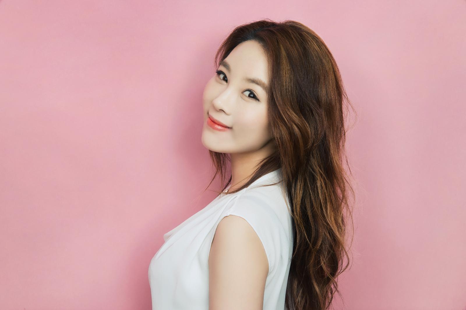 Jooyoun main pic.png