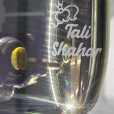 חריטה והדפסה על כוסות שמפניה