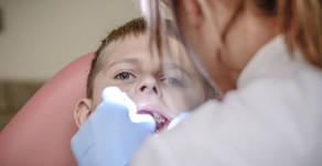 「侯侯醫師專欄」蛀牙補不起來了?快速了解「小鋼牙」