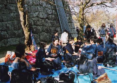 平成15年度お花見の様子(松山城)