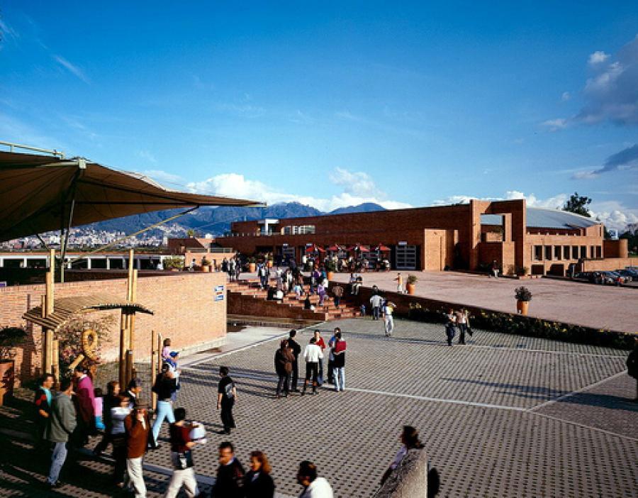 plaza-de-los-artesanos.jpg