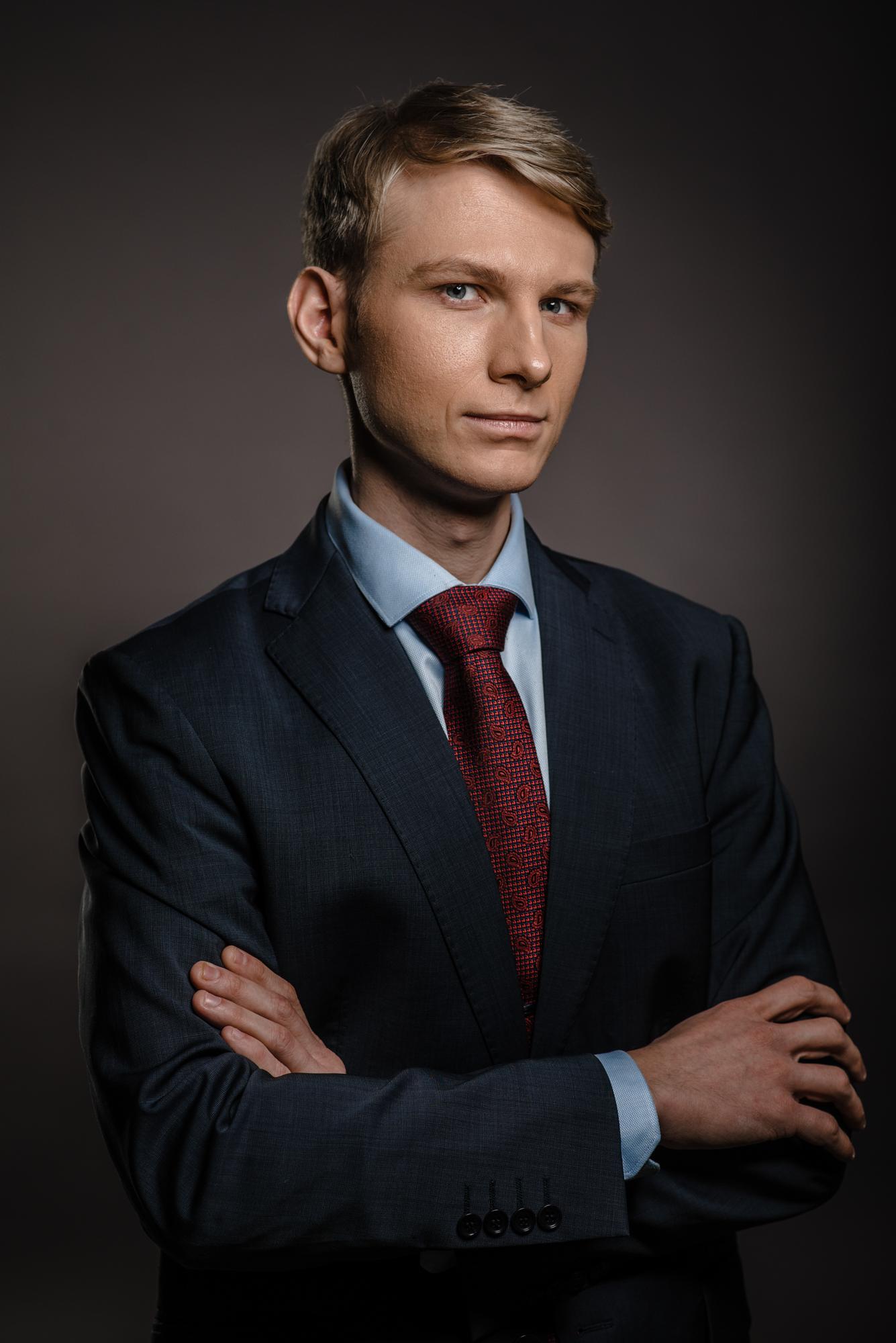 004 деловой портрет