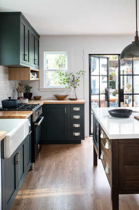 kelly-martin-interiors-green-kitchen-design