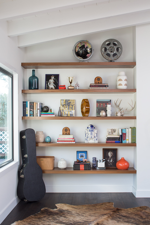 Kelly-Martin-Interiors-Floating-Shelves-Bookcase-decor