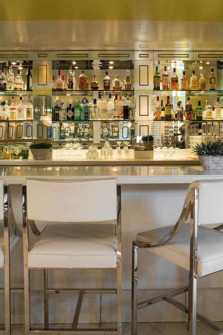 Mid Century Modern Bungalow Hotel Bar