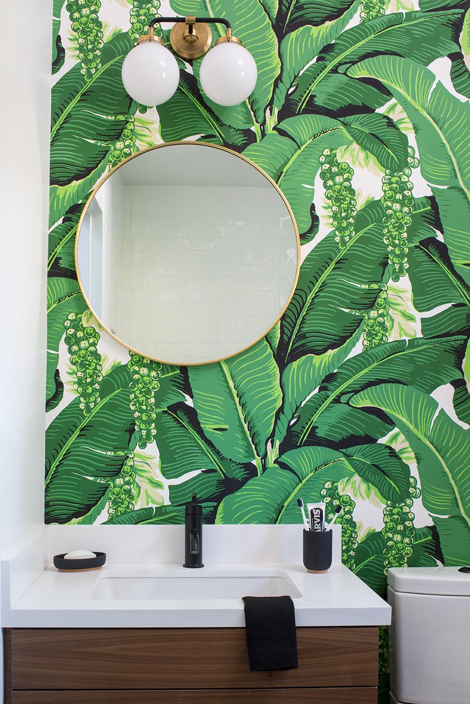 Kelly-Martin-Interiors-Bathroom-Palm-Leaf-Wallpaper