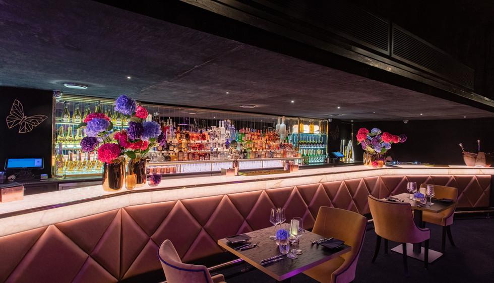 Cocktail Bar Wide