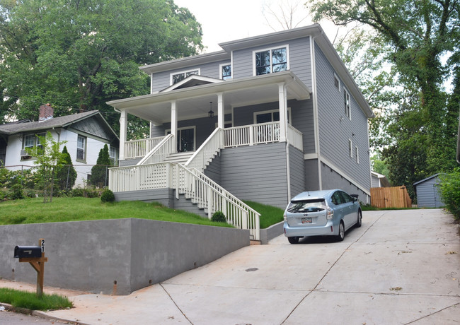 21 Lakeview Drive