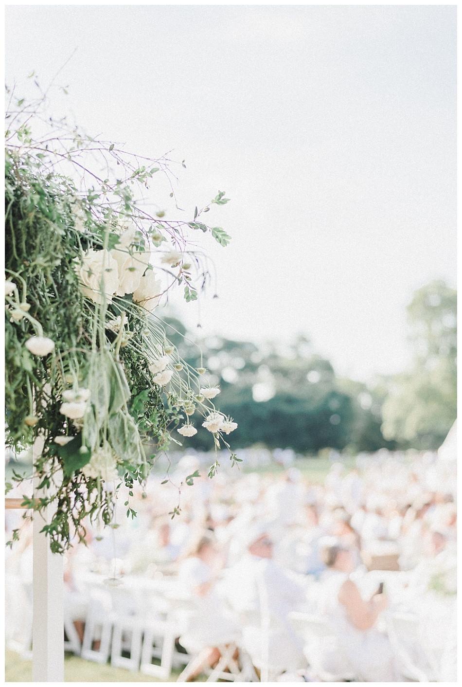 Floral Design at Fete en Blanc Lancaster 2019 at Longs Park by Angela Weiler Photography.