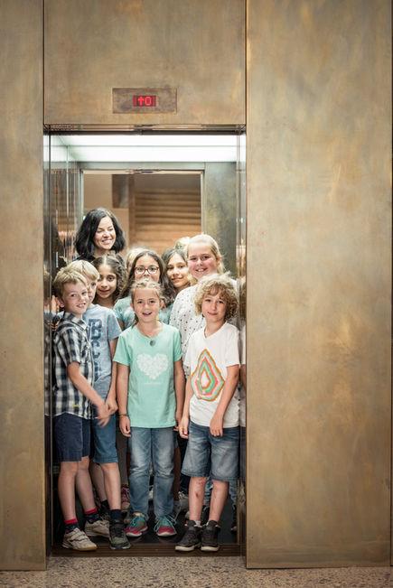Fotografie @Karin Nussbaumer, Vorarlbergmuseum Kinder in Lift