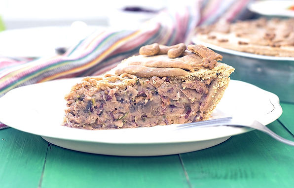 vegan-savory-pie-with-red-bean-puree-and