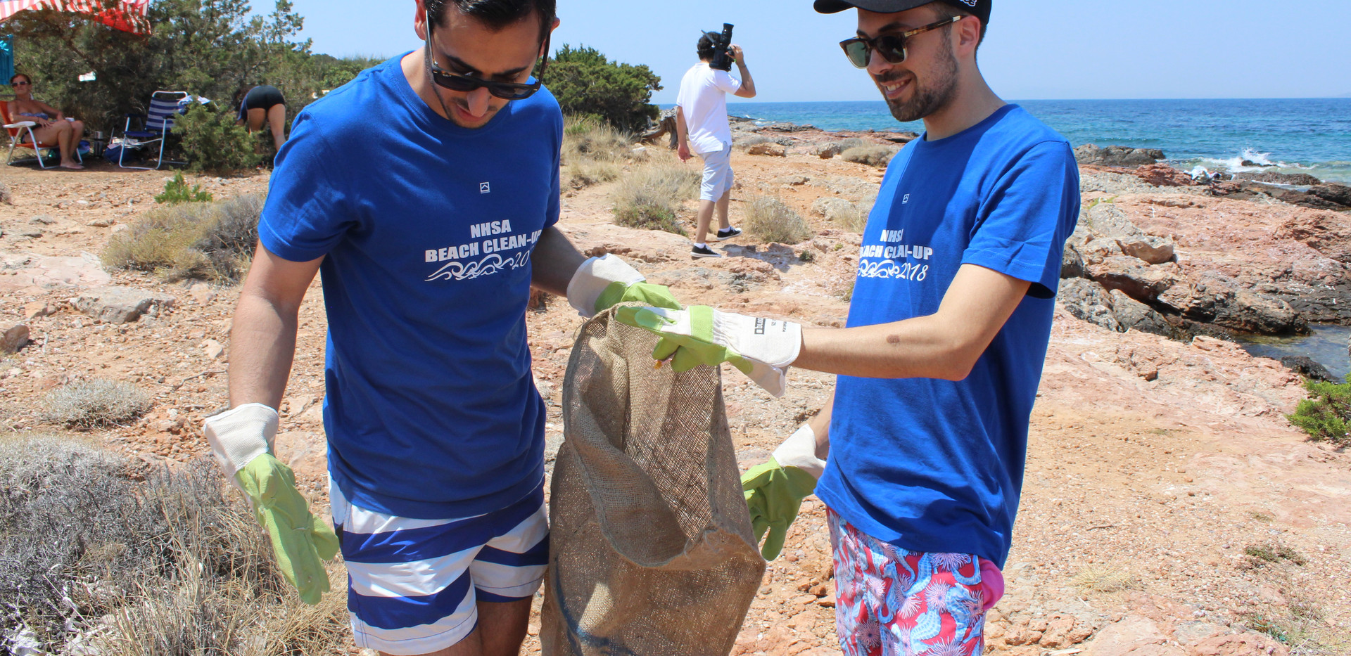 nhsa beach cleanup portes magazine 7