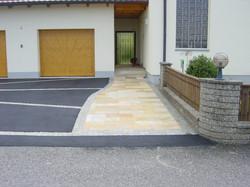 Garagenvorplatz2