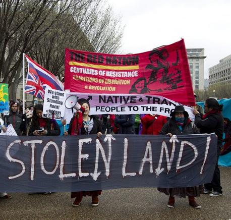 La Corte de EU dictamina que el oleoducto Dakota debe vaciarse por ahora