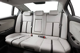 2013-Holden-VF-Commodore-Calais-V-Interi