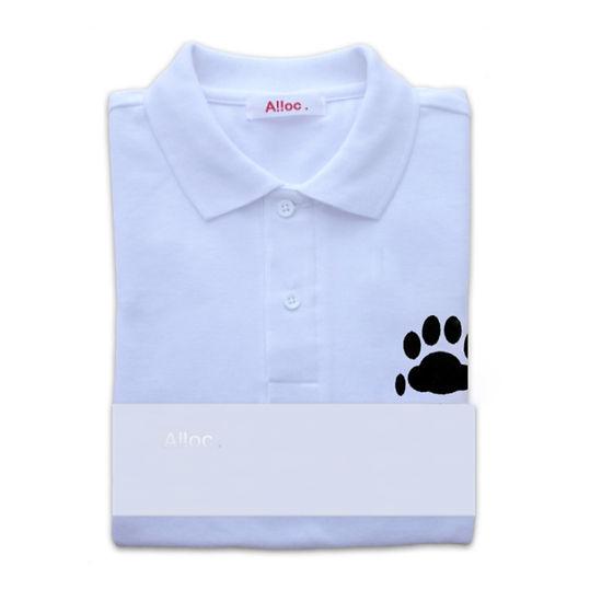 猫好きにはたまらない刺繍入りの白いポロシャツ