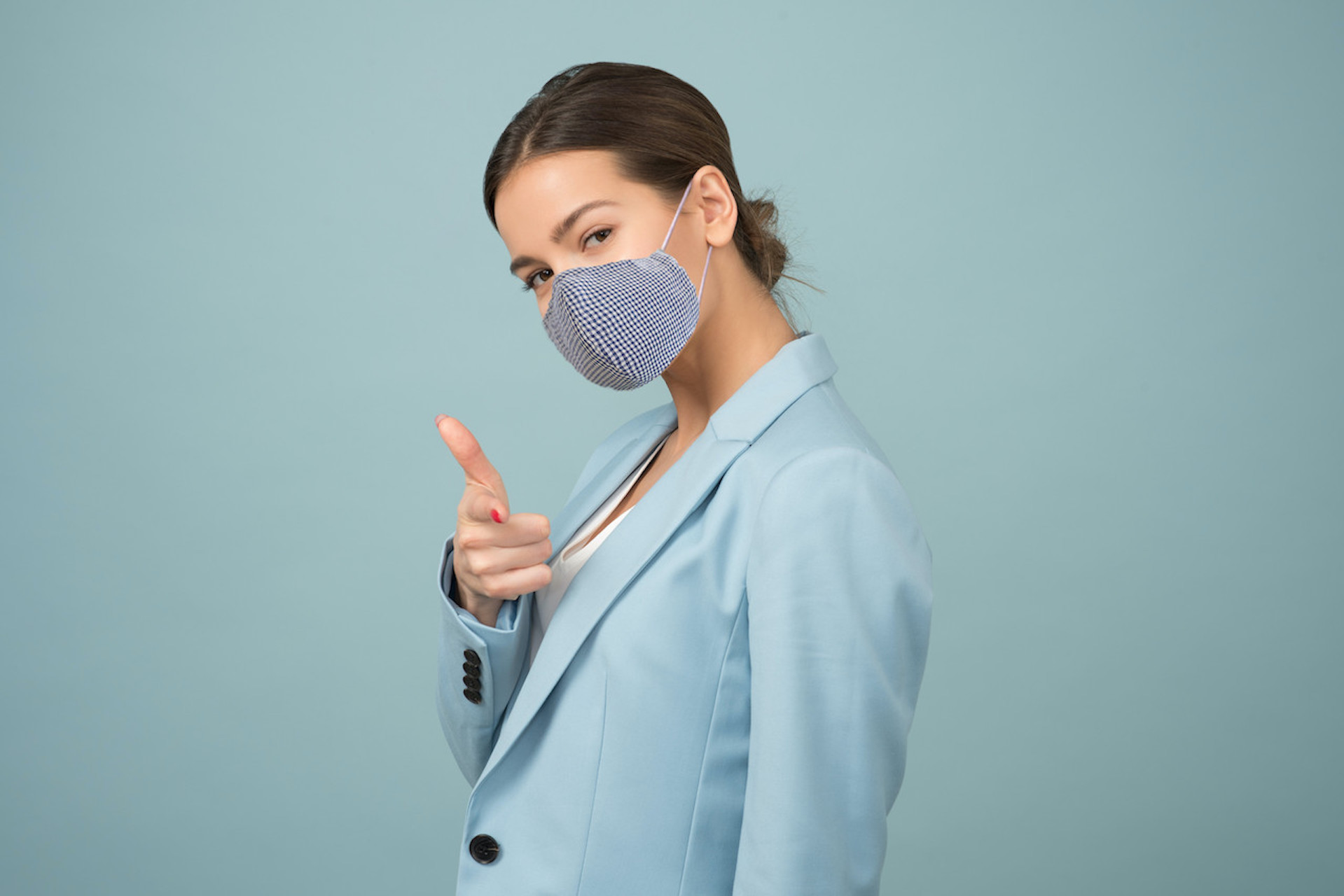 woman-in-Mask-suit-jacket-1036622_1