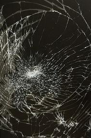 broken-glass-prank-wallpaper.jpg