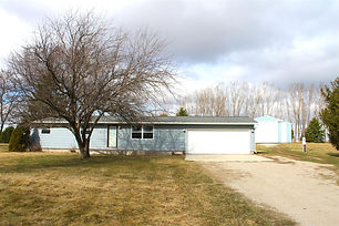 Ranch Home on 2.86 Acres!.JPG