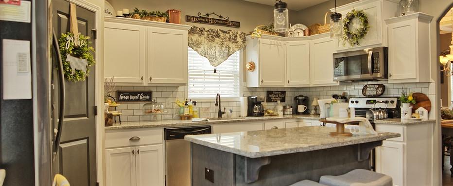 17_Kitchen1 copy 2.jpg