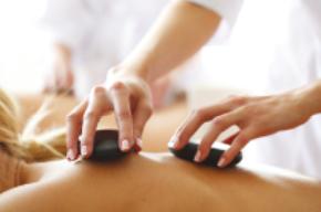 Les massages aux pierres chaudes