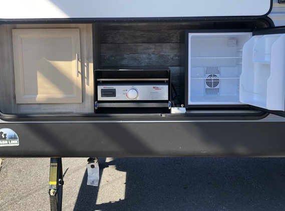Outside Kitchen Includes Griddle and Fridge
