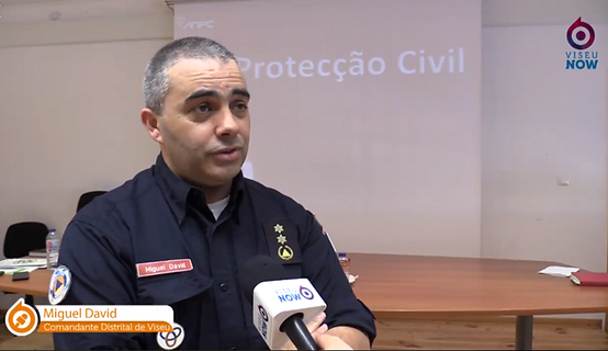 CODIS Viseu na Escola Secundária de Santa Comba Dão a apresentar o Curso Profissional Proteção Civil