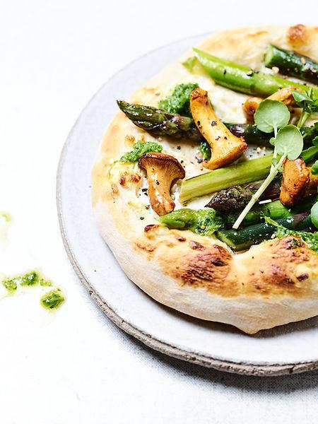 Tino Kalning Frank Weinert Pizza handmade Pfifferlinge Kresse Spargelpizza Spargel Pesto