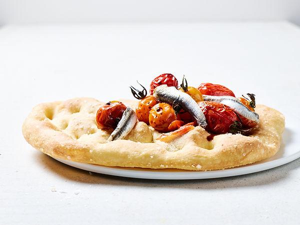 Tino Kalning Frank Weinert Pizza handmade Sardellen Tomaten Kirschtomaten Rustico