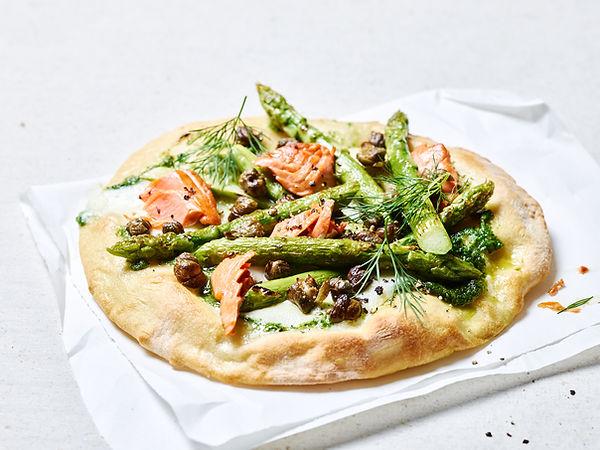 Tino Kalning Frank Weinert Pizza handmade Spargelpizza Lachspizza Lachs Kapern Dill