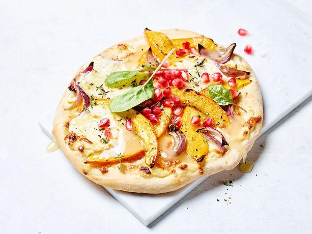Tino Kalning Frank Weinert Pizza handmade Rustico Kürbis Pumpkin, Onions  Granatapfel Spinat Honey Honig Ziegenkäse Chees